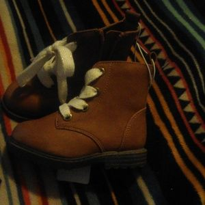 Cat and Jack brown boots, size 5